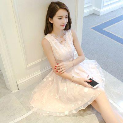 少女心冷淡风蕾丝连衣裙小清新温柔收腰连衣裙子超仙女无袖背心裙